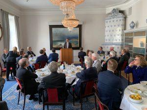 Présentation déjeuner avec L'Ambassadeur de France en Suède Davide Cvach